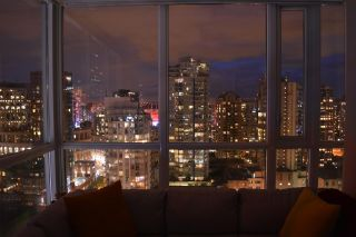 """Photo 16: 2003 833 SEYMOUR Street in Vancouver: Downtown VW Condo for sale in """"CAPITAL RESIDENCES"""" (Vancouver West)  : MLS®# R2087892"""
