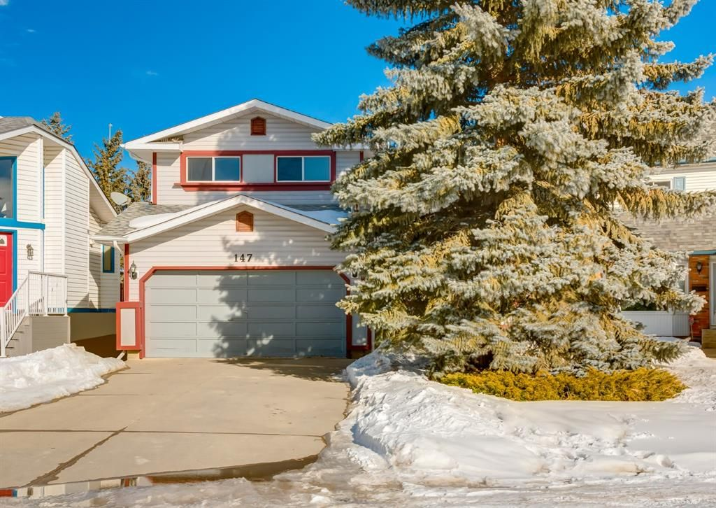 Main Photo: 147 Scenic Cove Circle NW in Calgary: Scenic Acres Detached for sale : MLS®# A1073490