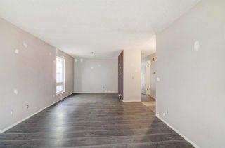 Photo 6: 132 Woodglen Way SW in Calgary: Woodbine Detached for sale : MLS®# A1134338