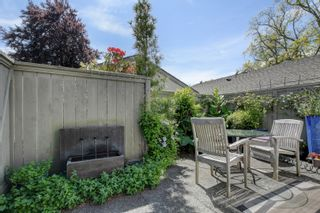 Photo 24: 2 735 MOSS St in : Vi Rockland Row/Townhouse for sale (Victoria)  : MLS®# 875865
