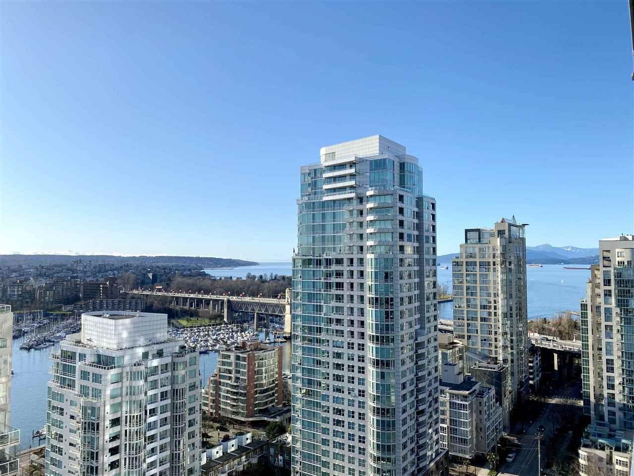 """Main Photo: 2502 1480 HOWE Street in Vancouver: Yaletown Condo for sale in """"VANCOUVER HOUSE"""" (Vancouver West)  : MLS®# R2434266"""
