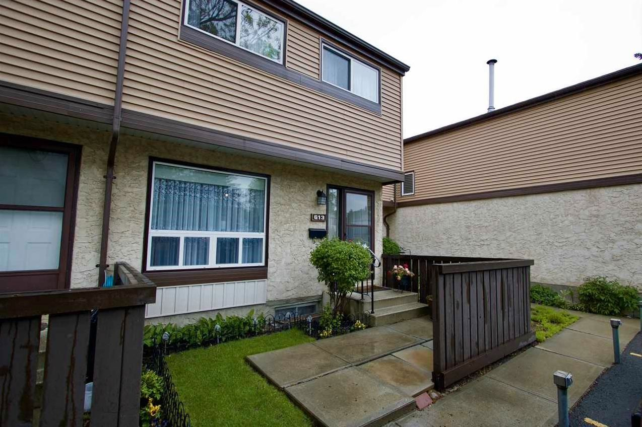 Main Photo: 613 KNOTTWOOD Road W in Edmonton: Zone 29 Townhouse for sale : MLS®# E4260710