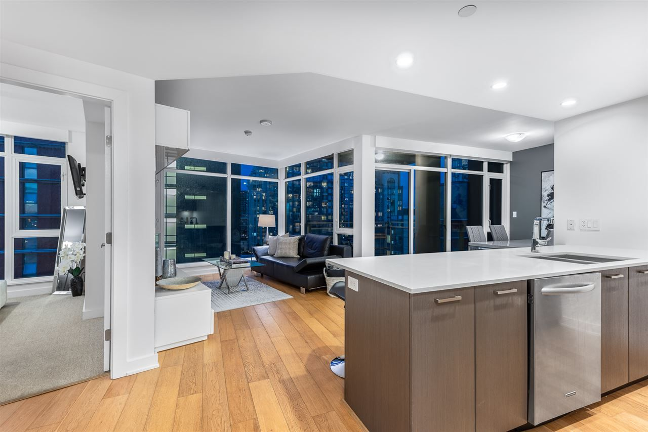 Main Photo: 1205 1372 SEYMOUR STREET in Vancouver: Downtown VW Condo for sale (Vancouver West)  : MLS®# R2448007