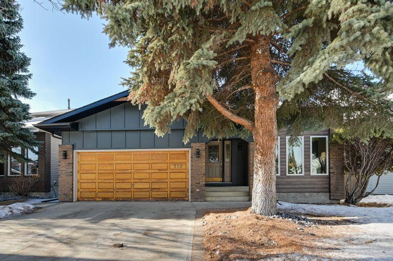 FEATURED LISTING: 712 Hendra Crescent Northwest Edmonton