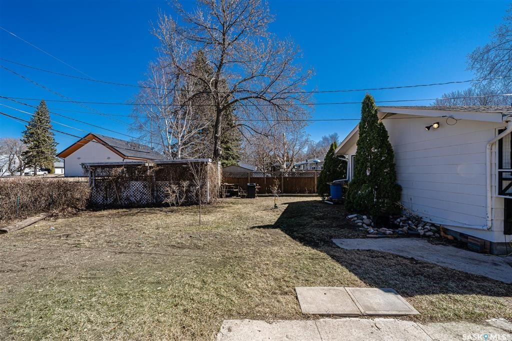 Photo 39: Photos: 105 2nd Street East in Langham: Residential for sale : MLS®# SK849707