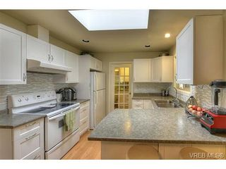 Photo 9: 614 Kildew Rd in VICTORIA: Co Hatley Park House for sale (Colwood)  : MLS®# 715315