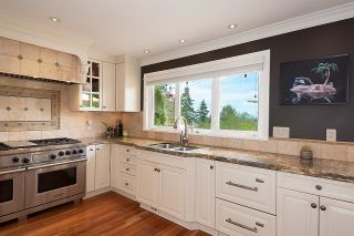 """Photo 6: 7421 CRAWFORD Drive in Delta: Nordel House for sale in """"ROYAL YORK"""" (N. Delta)  : MLS®# R2600663"""
