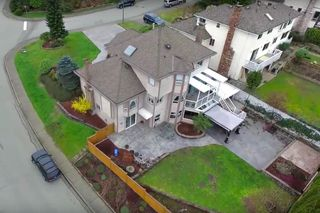 Photo 5: 1331 ERSKINE Street in Coquitlam: Scott Creek House for sale : MLS®# R2045634