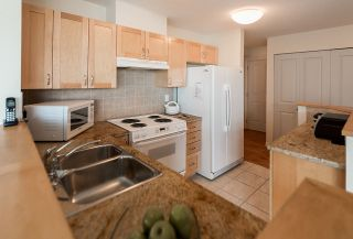 """Photo 5: 1102 1570 W 7TH Avenue in Vancouver: Fairview VW Condo for sale in """"Terraces"""" (Vancouver West)  : MLS®# R2174265"""