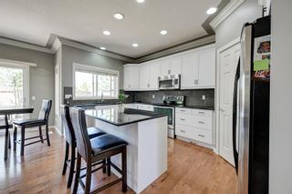 Photo 9: 1232 HOLLANDS Close in Edmonton: Zone 14 House for sale : MLS®# E4262370