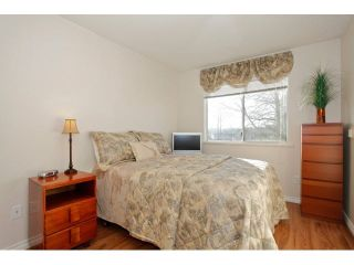 "Photo 14: 311 5955 177B Street in Surrey: Cloverdale BC Condo for sale in ""WINDSOR PLACE"" (Cloverdale)  : MLS®# F1433073"