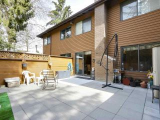 """Photo 1: 2302 10620 150 Street in Surrey: Guildford Townhouse for sale in """"LINCOLNS GATE"""" (North Surrey)  : MLS®# R2449550"""