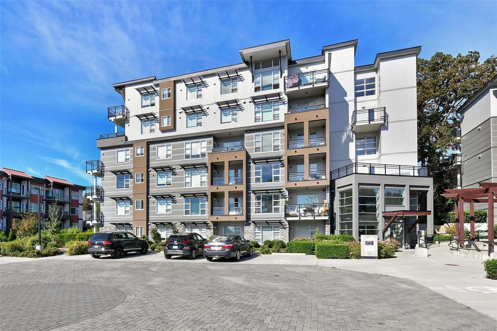 Main Photo: 305 1016 Inverness Rd in Saanich: SE Quadra Condo for sale (Saanich East)  : MLS®# 887970