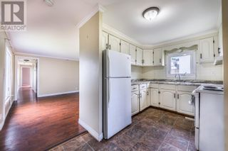 Photo 3: 10 Lombardy Place in Paradise: House for sale : MLS®# 1233495