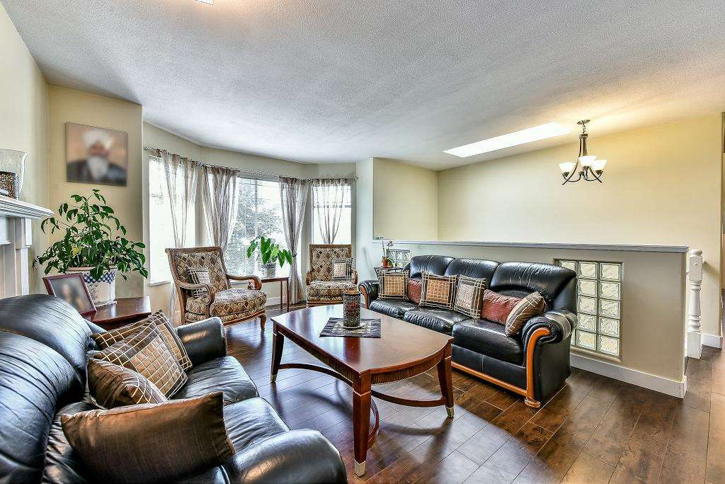 Photo 4: Photos: 15727 81A Avenue in Surrey: Fleetwood Tynehead House for sale : MLS®# R2074657