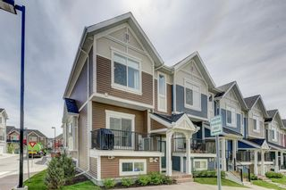 Photo 3: 135 NOLANCREST Common NW in Calgary: Nolan Hill Row/Townhouse for sale : MLS®# A1105271