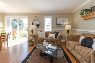 Photo 6: 26 2070 Amelia Ave in : Si Sidney North-East Row/Townhouse for sale (Sidney)  : MLS®# 883338