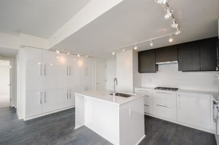 """Photo 5: 1705 188 AGNES Street in New Westminster: Downtown NW Condo for sale in """"THE ELLIOT"""" : MLS®# R2181152"""
