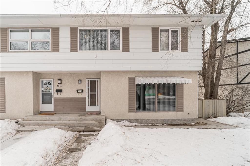 Main Photo: 1017 Cavalier Drive in Winnipeg: Crestview Residential for sale (5H)  : MLS®# 202006397