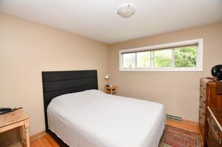 Photo 19: 20 Brantford Crescent NW in Calgary: Brentwood Detached for sale : MLS®# A1135023