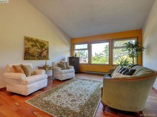 Photo 3: 1000 HIGHROCK Ave in VICTORIA: Es Rockheights House for sale (Esquimalt)  : MLS®# 793140