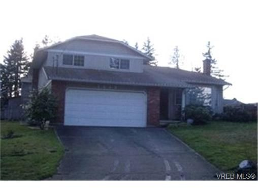 Main Photo:  in VICTORIA: La Glen Lake House for sale (Langford)  : MLS®# 418014