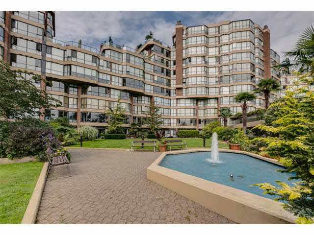 """Photo 1: Photos: G02 1470 PENNYFARTHING Drive in Vancouver: False Creek Condo for sale in """"Harbour Cove"""" (Vancouver West)  : MLS®# V1081390"""