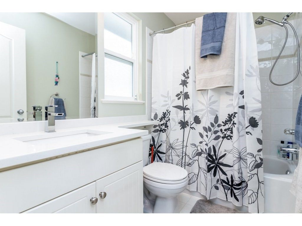 """Photo 13: Photos: 18479 66A Avenue in Surrey: Cloverdale BC House for sale in """"Heartland"""" (Cloverdale)  : MLS®# R2095726"""