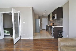 Photo 5: 710 13688 100 AVENUE in Surrey: Whalley Condo for sale (North Surrey)  : MLS®# R2483036
