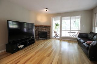 """Photo 3: 18610 65 Avenue in Surrey: Cloverdale BC Townhouse for sale in """"Ridgeway"""" (Cloverdale)  : MLS®# R2299055"""