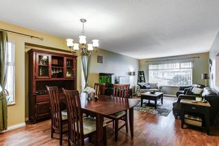 Photo 2: 11265 HARRISON Street in Maple Ridge: East Central House for sale : MLS®# R2046862