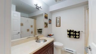"""Photo 15: 2 1204 MAIN Street in Squamish: Downtown SQ Townhouse for sale in """"Aqua"""" : MLS®# R2343310"""