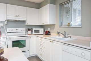 "Photo 9: PH5 2485 ATKINS Avenue in Port Coquitlam: Central Pt Coquitlam Condo for sale in ""THE ESPLANADE"" : MLS®# R2559032"