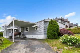 "Photo 2: 14 8670 156 Street in Surrey: Fleetwood Tynehead Manufactured Home for sale in ""WESTWOOD COURT"" : MLS®# R2377361"