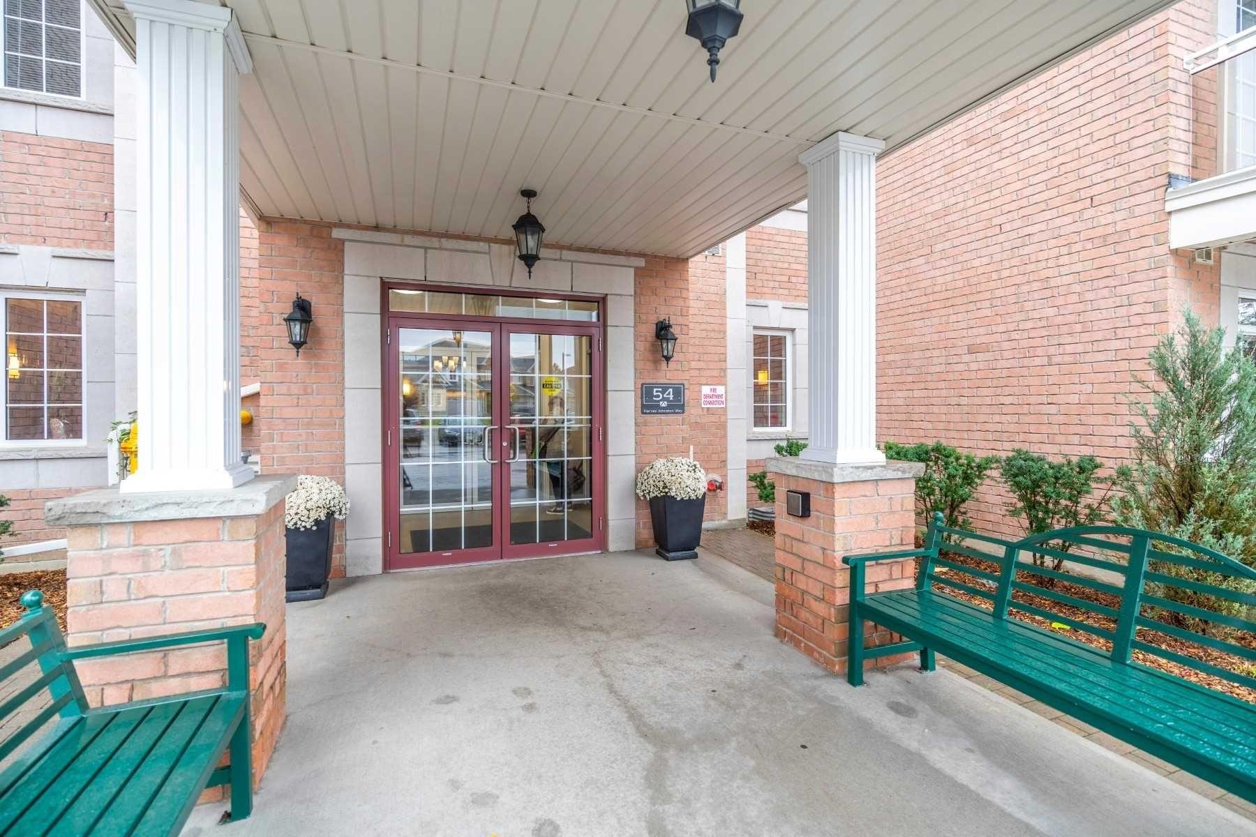 Photo 1: Photos: 213 54 Harvey Johnston Way in Whitby: Brooklin Condo for sale : MLS®# E4664368