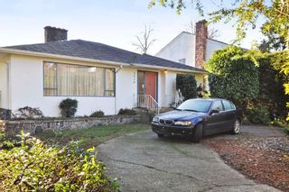 Photo 2: 3070 W 44TH Avenue in Vancouver: Kerrisdale House for sale (Vancouver West)  : MLS®# R2227532