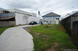 Photo 6: LOGAN HEIGHTS House for sale : 3 bedrooms : 3023 Imperial Av in San Diego