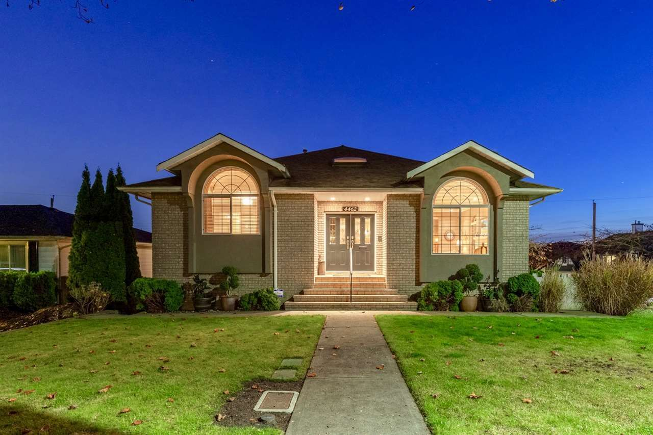 Main Photo: 4462 WILLIAM Street in Burnaby: Willingdon Heights House for sale (Burnaby North)  : MLS®# R2372753