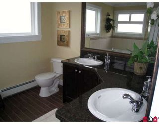 """Photo 7: 21097 84TH Avenue in Langley: Willoughby Heights House for sale in """"YORKSON"""" : MLS®# F2802271"""