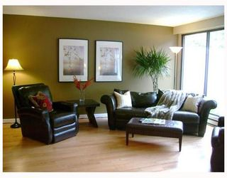 "Photo 1: 108 10200 4TH Avenue in Richmond: Steveston North Townhouse for sale in ""MANOAH VILLAGE"" : MLS®# V746998"