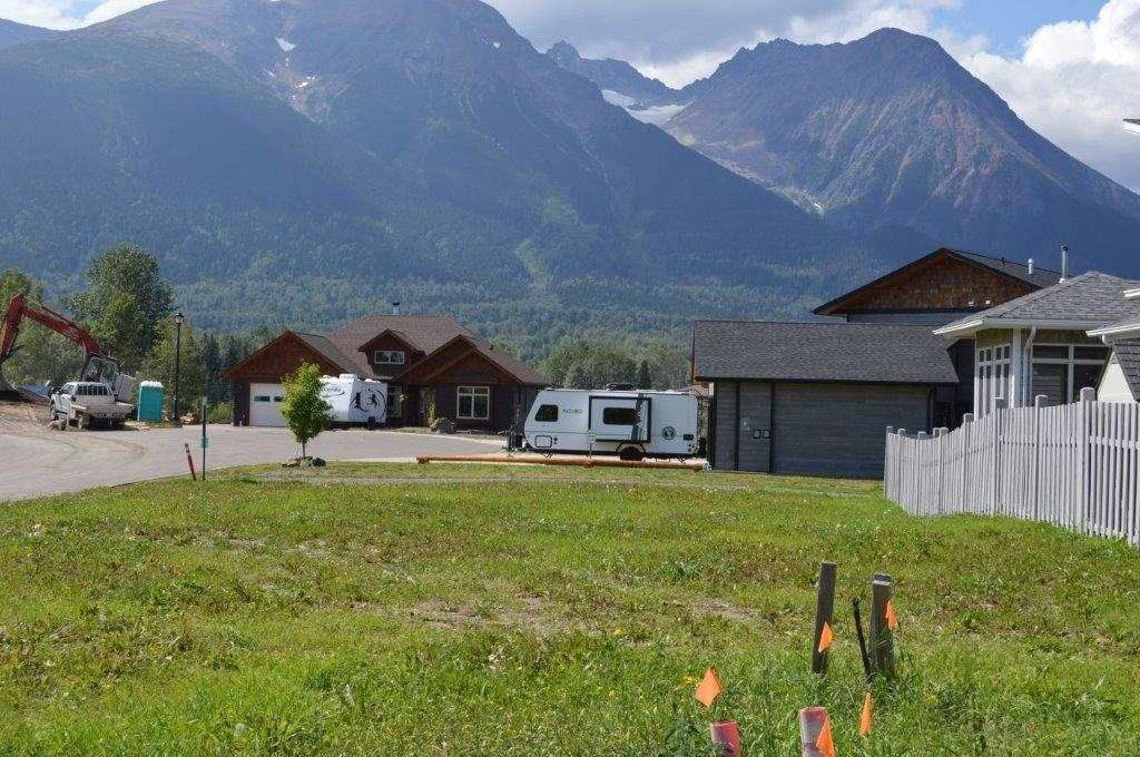 Main Photo: LOT 16 PAVILION Place in Smithers: Smithers - Town Land for sale (Smithers And Area (Zone 54))  : MLS®# R2588392