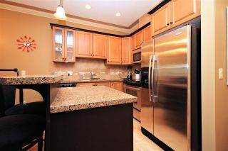 """Photo 3: 108 45893 CHESTERFIELD Avenue in Chilliwack: Chilliwack W Young-Well Condo for sale in """"The Willows"""" : MLS®# R2170192"""