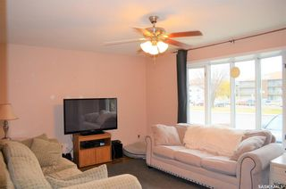 Photo 4: 122 Clancy Drive in Saskatoon: Fairhaven Residential for sale : MLS®# SK873839