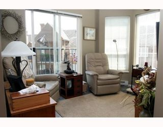 """Photo 5: 405 1363 56TH Street in Tsawwassen: Cliff Drive Condo for sale in """"WINDSOR WOODS"""" : MLS®# V767656"""