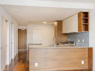 """Photo 21: 204 4375 W 10TH Avenue in Vancouver: Point Grey Condo for sale in """"The Varsity"""" (Vancouver West)  : MLS®# R2552003"""