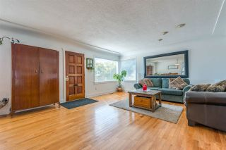 Photo 4: 522 E 5TH Street in North Vancouver: Lower Lonsdale House for sale : MLS®# R2492206