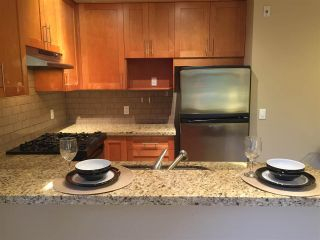 """Photo 6: 211 2083 W 33RD Avenue in Vancouver: Quilchena Condo for sale in """"DEVONSHIRE HOUSE"""" (Vancouver West)  : MLS®# R2115581"""