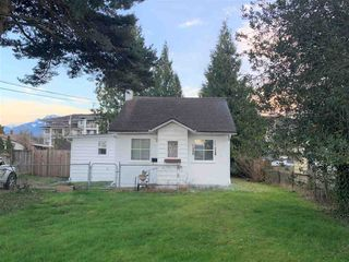 Photo 1: 46272 GORE Avenue in Chilliwack: Chilliwack E Young-Yale House for sale : MLS®# R2559013