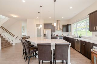 """Photo 4: 25480 BOSONWORTH Avenue in Maple Ridge: Thornhill MR House for sale in """"The Summit at Grant Hill"""" : MLS®# R2354121"""