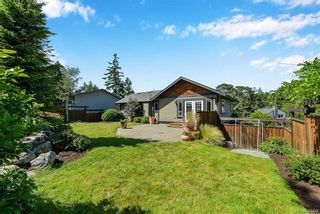 Photo 28: 1063 Chesterfield Rd in Saanich: SW Strawberry Vale House for sale (Saanich West)  : MLS®# 844474